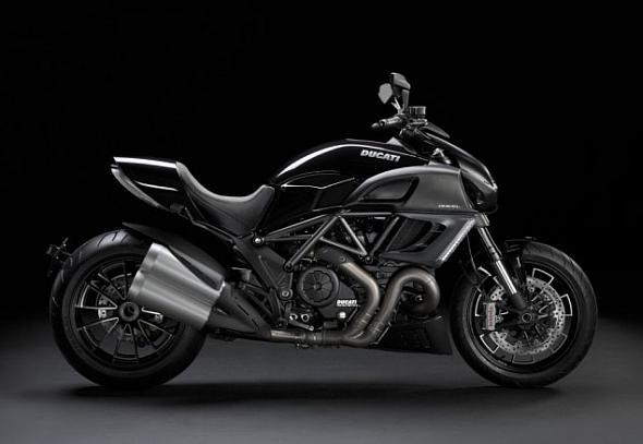Black Ducati Diavel