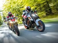 Aprilia Tuono V4 1100 Factory vs KTM 1290 Super Duke R