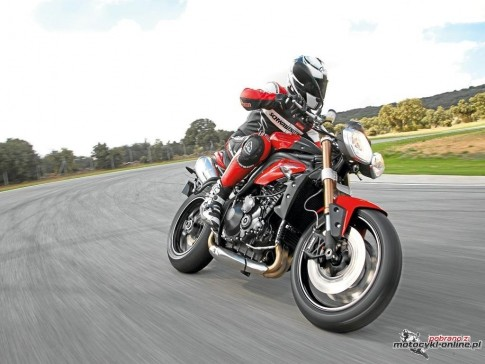triumph-speed-triple-2011-01.jpg